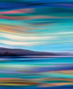 Orizzonte astratto con riflessi multicolore