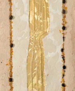 Coltello color oro con dettagli in rilievo