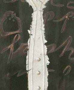 Forchetta color argento con dettagli in rilievo