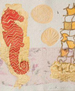 Cavalluccio marino con rete e dettagli color oro