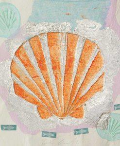 Conchiglia con pesci e dettagli color argento