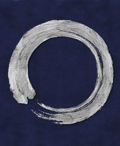 Cerchio bianco su sfondo blu