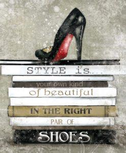 Libri moda e scarpa con tacco