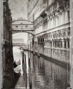 Vecchia fotografia di un canale a Venezia