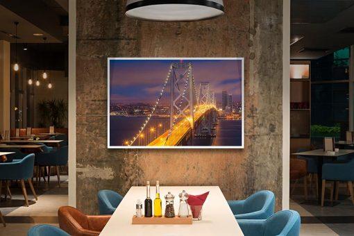 Ambientazione Cala la notte sul Bay Bridge