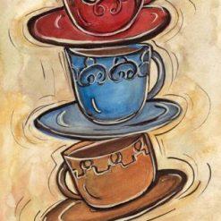 Pila di tazzine di caffè variopinte