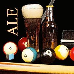 Bicchiere di birra con palle da biliardo