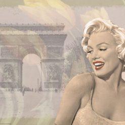 Ritratto della celebre attrice con alle spalle l'arco di trionfo