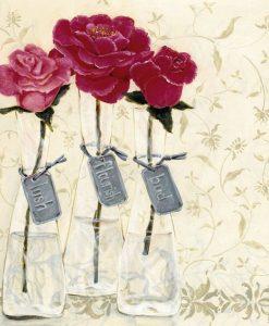 Vasi di vetro con rose color magenta