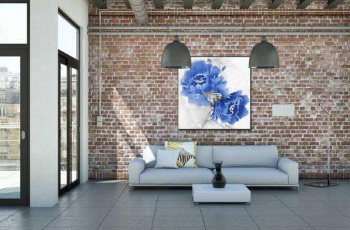 Dipinto di un fiore astratto con effetto sfocato