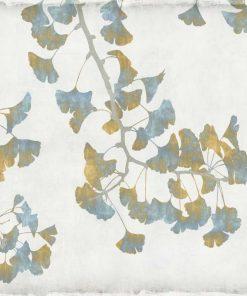 Rami di gingko con foglie con sfumature dorate