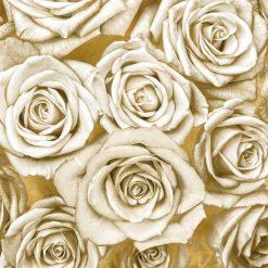 Composizione di rose avorio su sfondo dorato