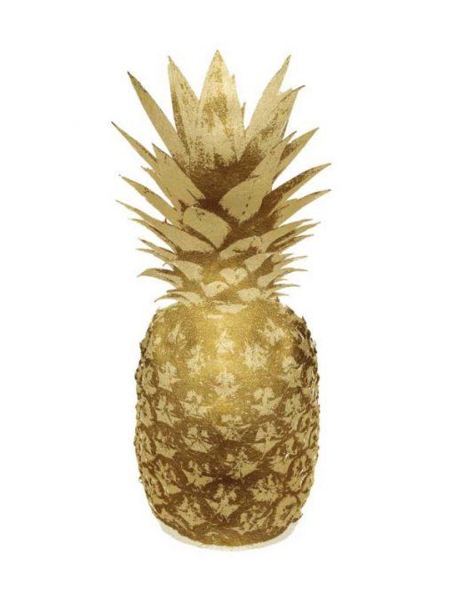 Ananas dorato su sfondo bianco