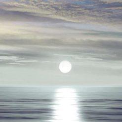 Sole riflesso su acqua piatte