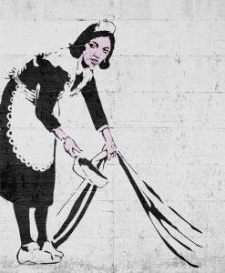 Murales del famoso artista Banksy: Cameriera