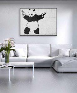 Murales del famoso artista Banksy: Panda con pistole