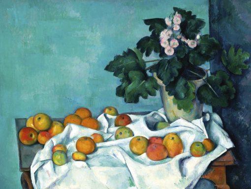 Tavolo con diverse mele su una tovaglia bianca