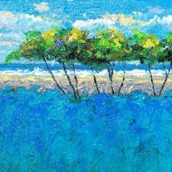 Mare e spiaggia con pini marittimi