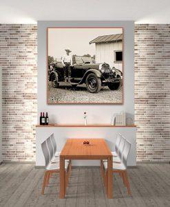 Ambientazione Vecchia foto con un cowboy e una vecchia automobile