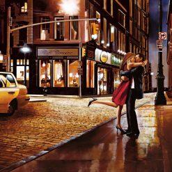 Coppia che si bacia per strada