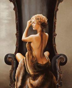 Donna seducente con pelliccia