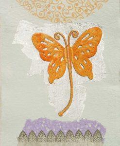Silhouette di una farfalla arancio con dettagli color argento