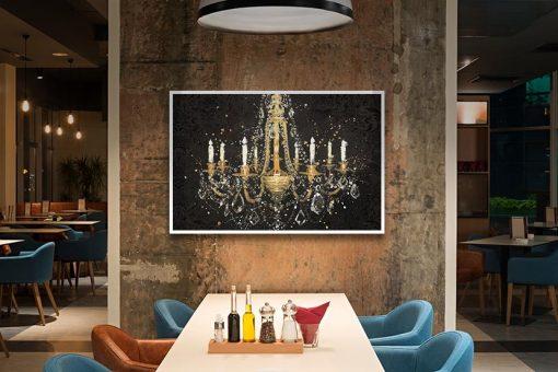 Dipinto di un lussuoso lampadario