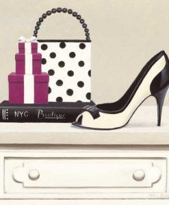 Scarpa e borsa alla moda su un mobile chic