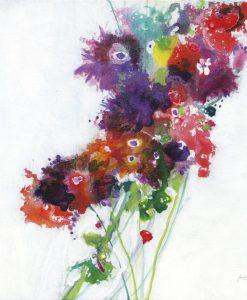 Mazzo di fiori variopinto e astratto su sfondo bianco