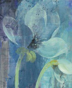 Dipinto di un fiore con sfumature dai colori freddi
