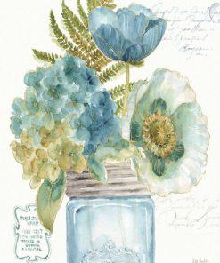 Vaso di vetro con fiori blu