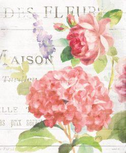 Dettaglio di una composizione con fiori da giardino color rosa